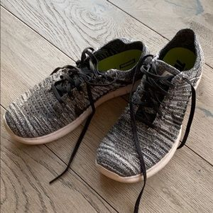 Nike RUN FREE FLY KNIT gray sneakers size 8